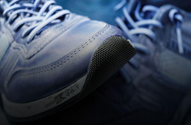 кроссовки немаркированные