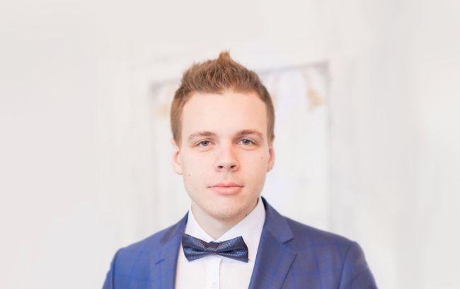 Олег Неворотв